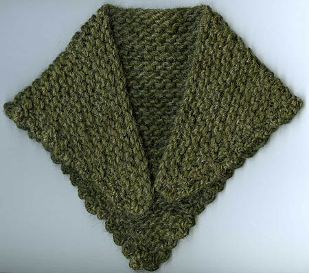 """TIP-TO-TIP"" A HAND KNIT TUDOR COTTAGE SHAWL FOR DOLLS; : an exclusive of Cellar Door Books!"