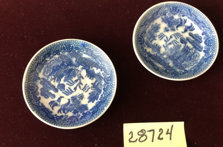 ANTIQUE 2 SAUCERS OF CHILD'S BLUE WILLOW