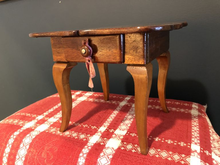 DOLL FURNITURE SQUARE SIDE TABLE