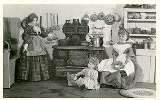 TT OFD 10 TASHA TUDOR'S OLD-FASHIONED DOLLS. COOKING