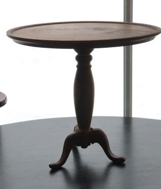 DOLL FURNITURE TRIPOD TEA TABLE